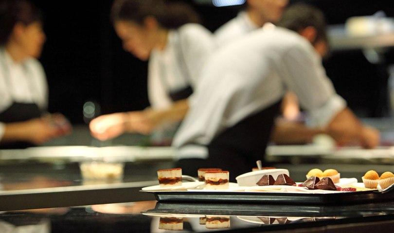 [cml_media_alt id='679']Στην κουζίνα του βραβευμένου εστιατορίου Atrio[/cml_media_alt]