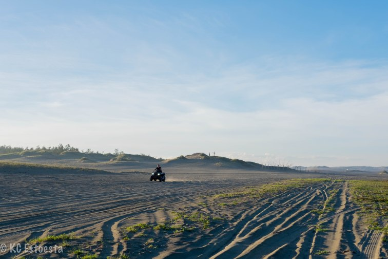 A 4x4 roared its way from the sand dunes of Paoay