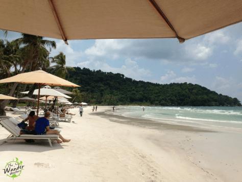 Sao Beach, at Paradiso Beach Resort's front