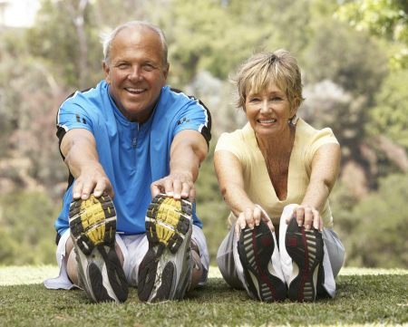 Fotolia smaller elderly couple exercising_19539255_Subscription_XXL