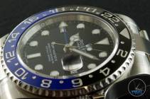 Review of the Rolex GMT Master II [116710BLNR] aka 'The Batman' Dial and bezel close up