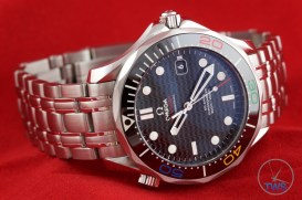 Omega Rio 2016 Olympic Limited Edition Seamaster Diver 300m: Hands On Review [522.30.41.20.01.001] - Laying on its side
