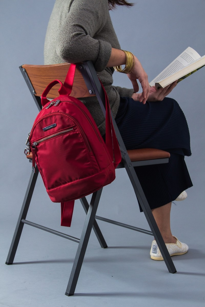 how to send subliminal messages with a backpack