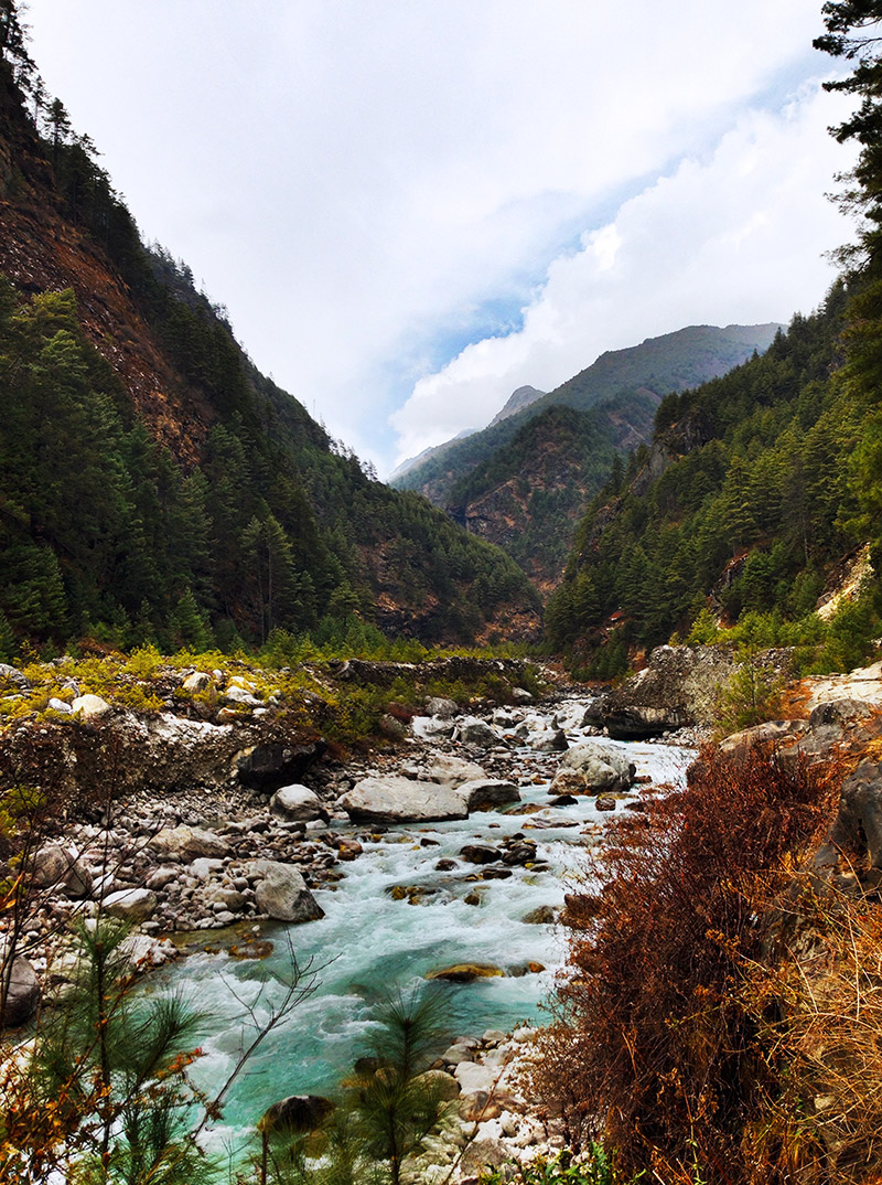 trek everest base camp valley himalayas river colours mountain landscape