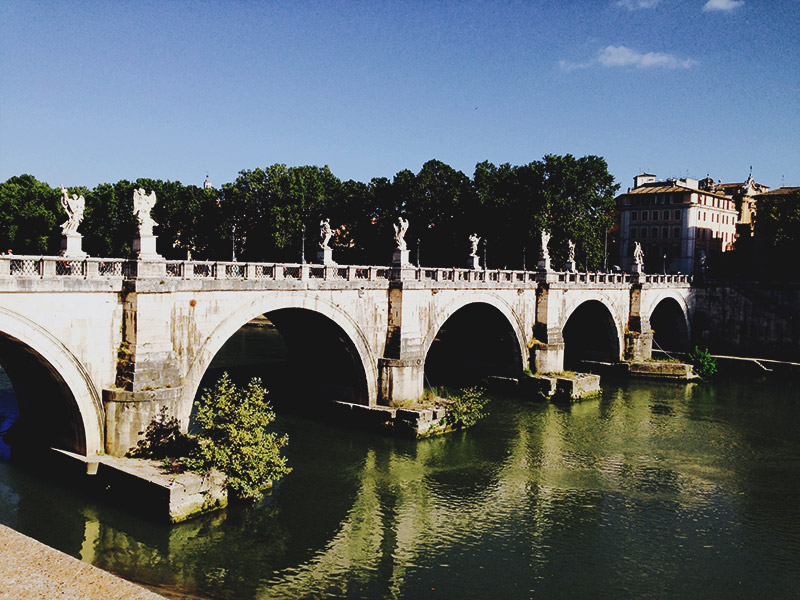 rome-bridge-of-angels