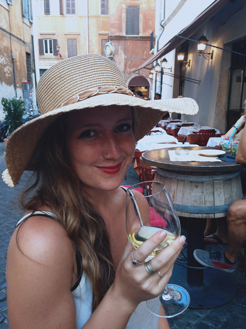 rome-me-wine-bar-hat