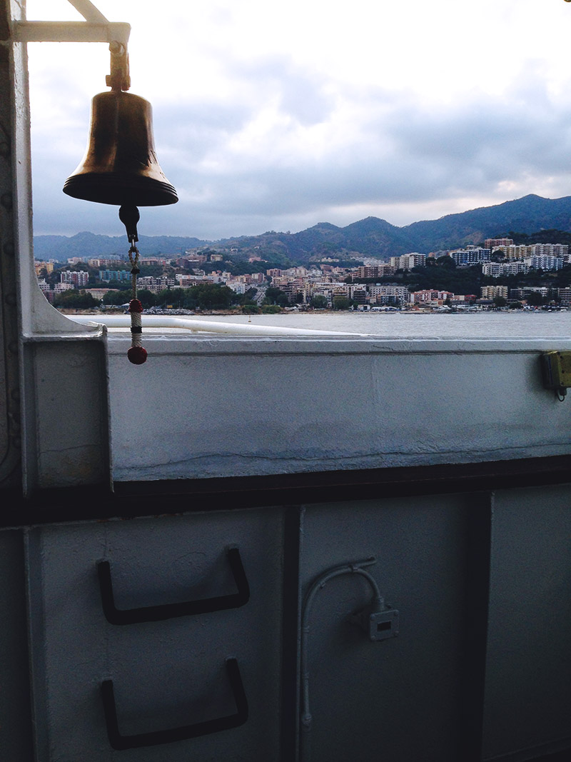live-deaf-family-sicily-view-ferry-2