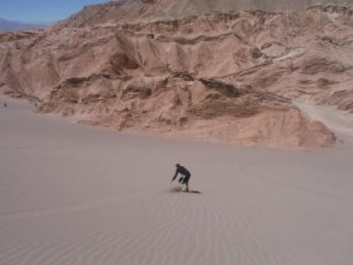 Sandboard in Valle de la Muerte, Atacama