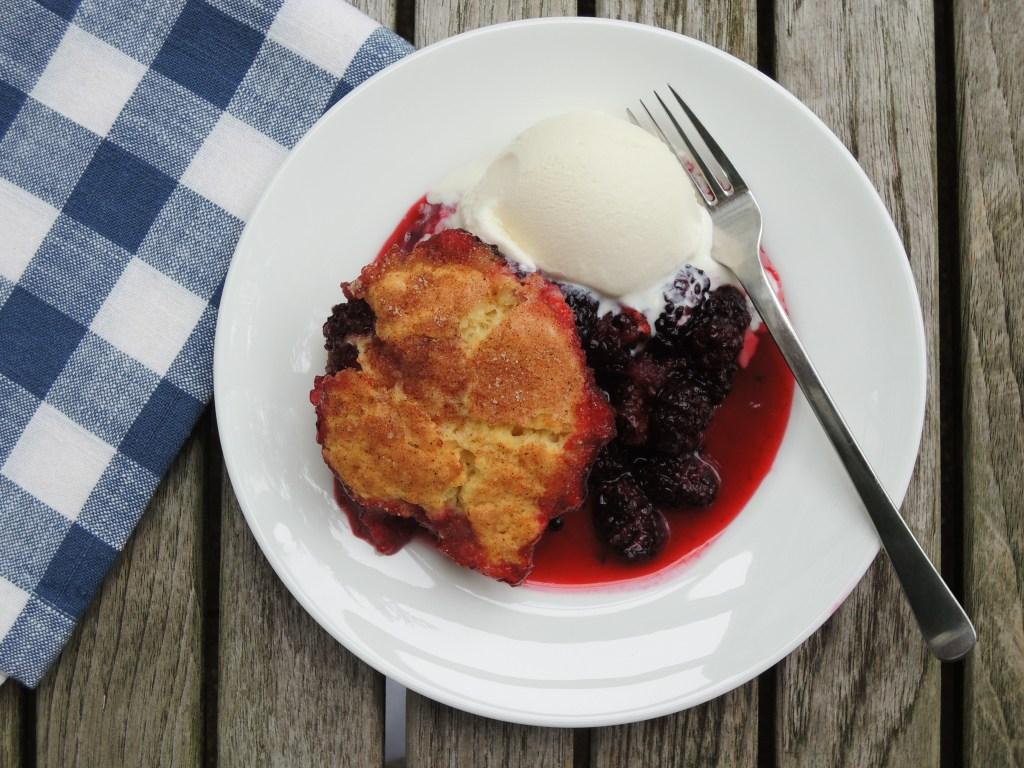 Desserts, fruit, baked, blackberry cobbler 3