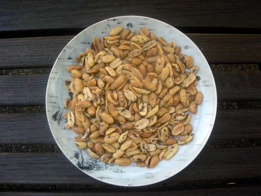 Appetizers, nuts and seeds, smoky peanuts 1