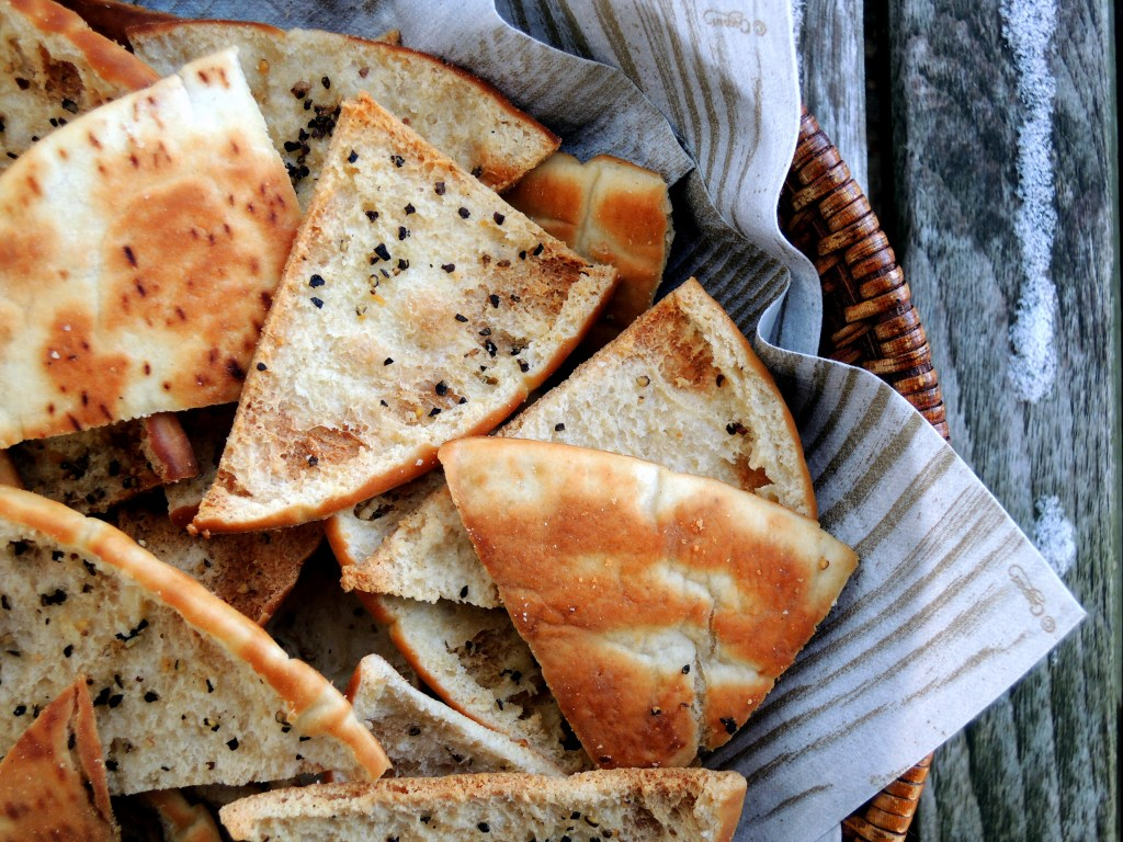 Appetizers, chips, crackers and other dunkers, pita toasts with black pepper 2