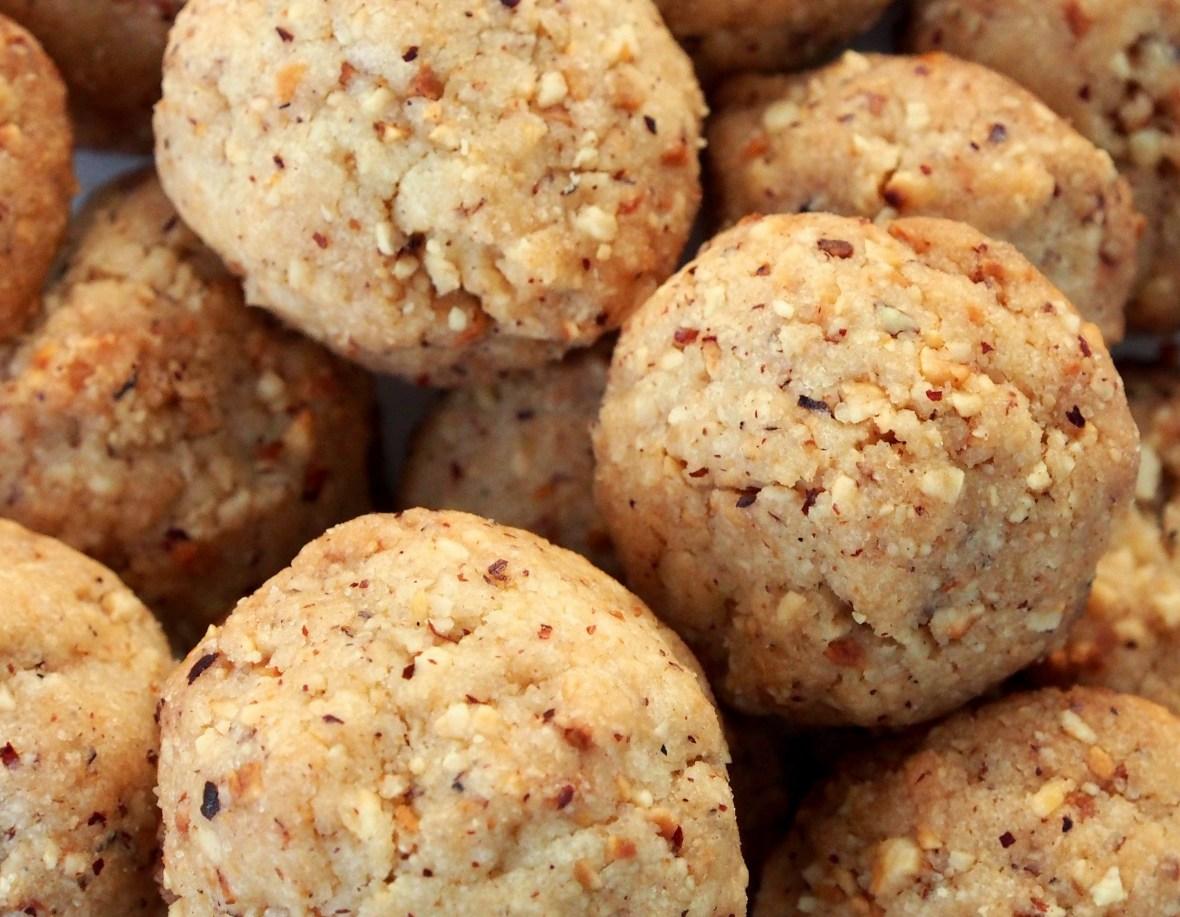 desserts-cookies-hazelnut-cookies-2.jpg
