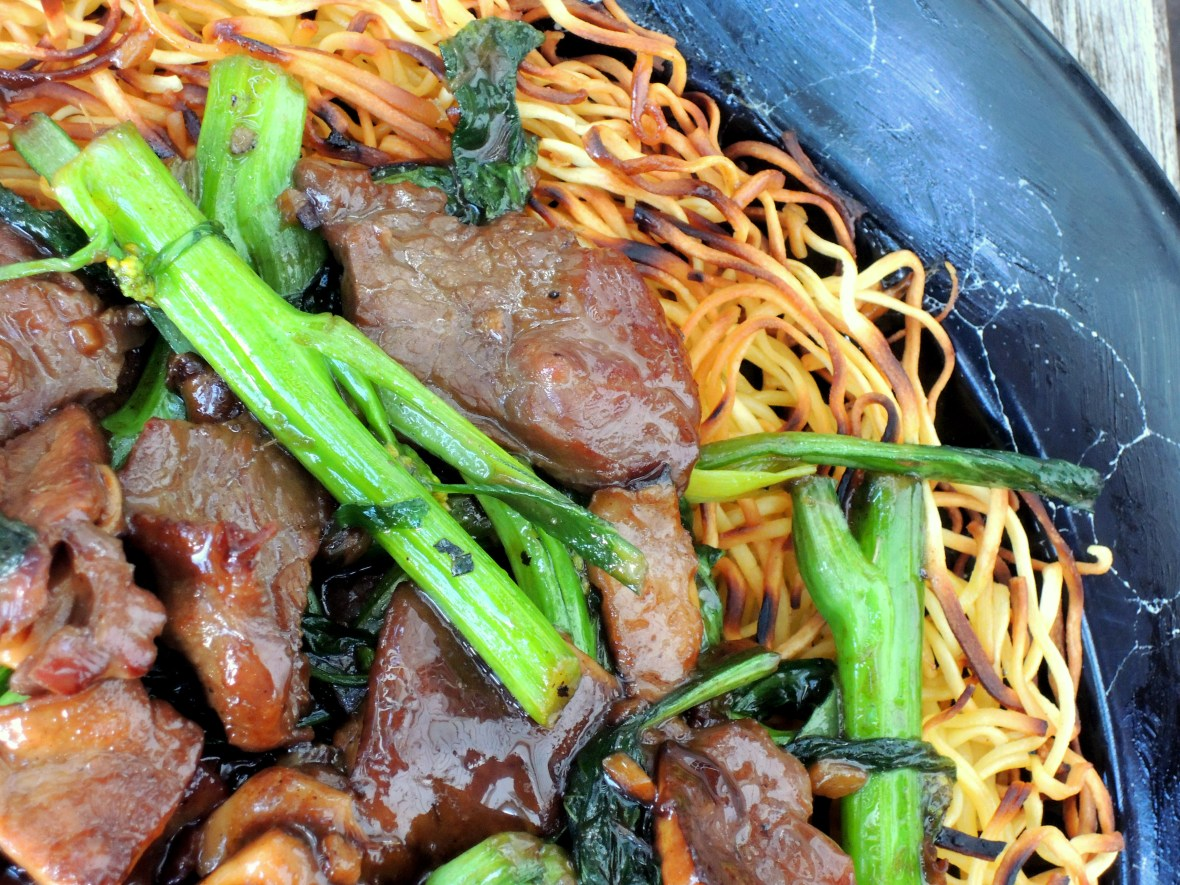 pasta-pan-fried-noodles-with-beef-and-choy-sum-2