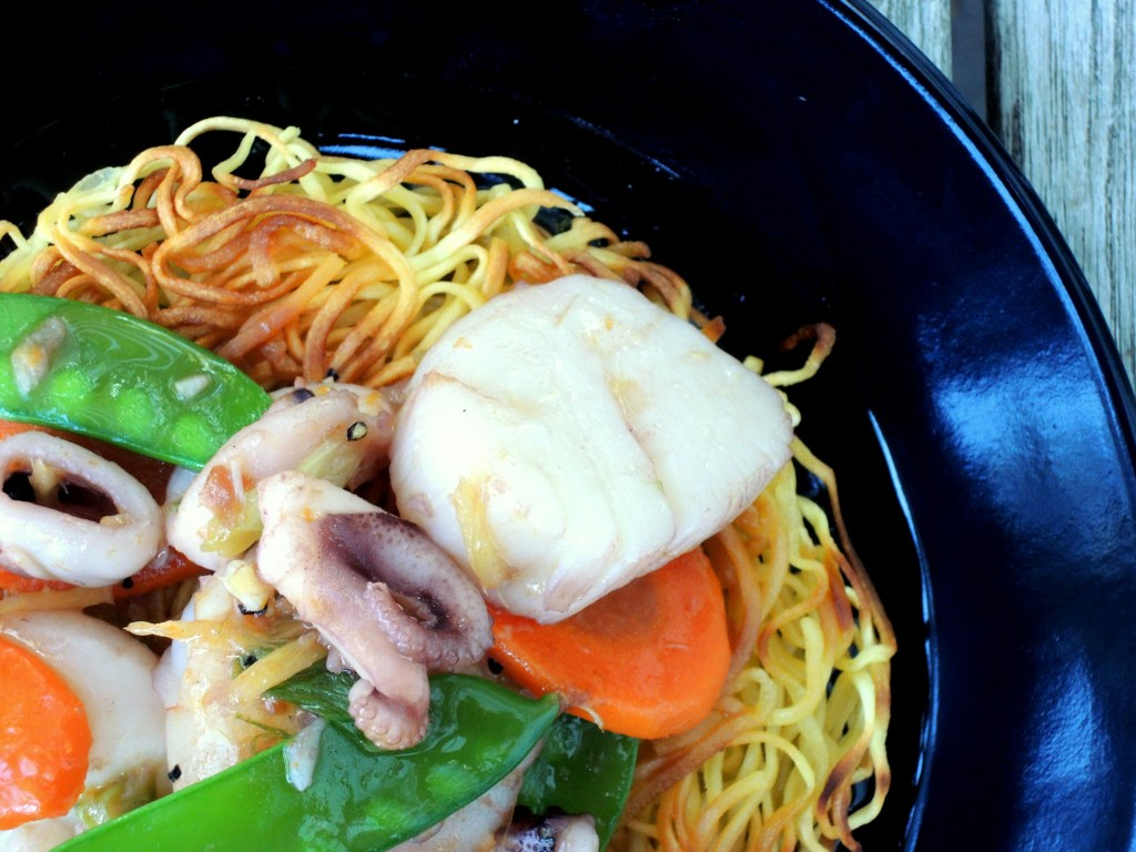 pasta-pan-fried-noodles-with-seafood-and-snow-peas-4