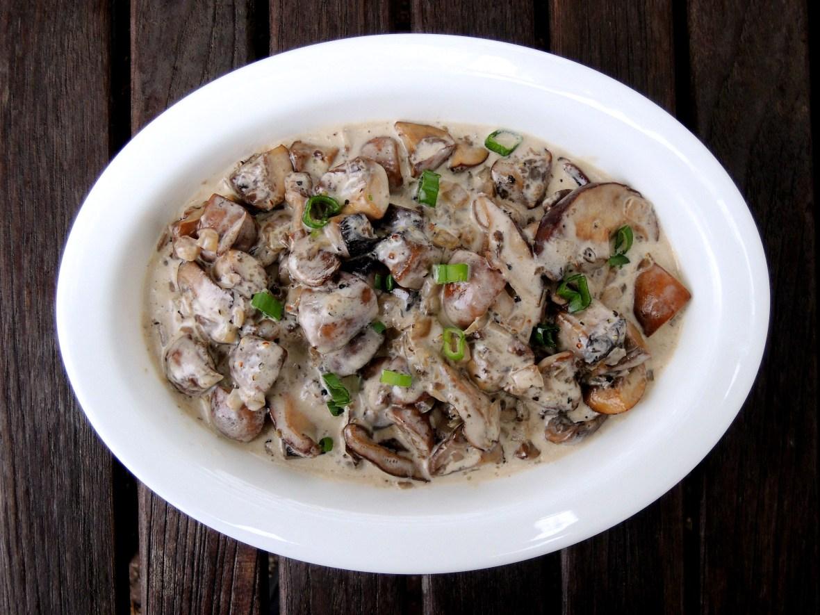 vegetables-mushrooms-sauteed-mushrooms-with-cream-1