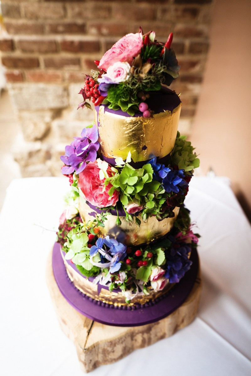 HUNTED Wedding Cakes Extraordinary Cakes