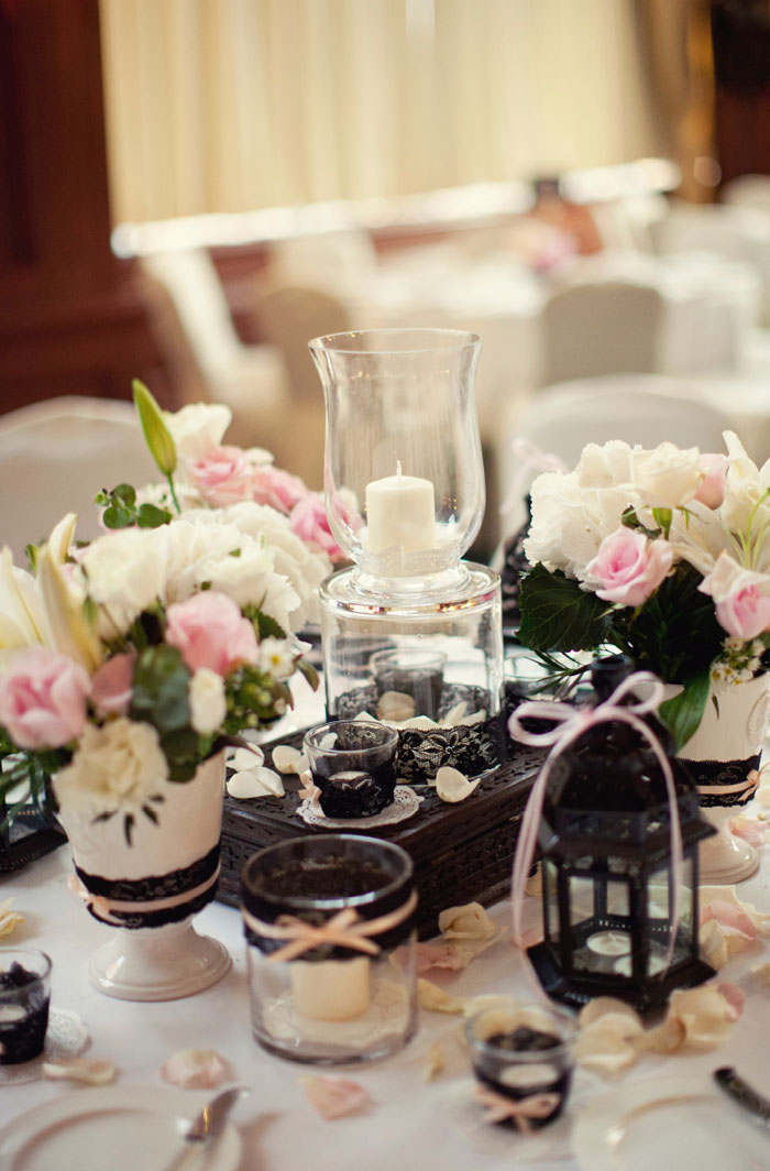 www.theweddingnotebook.com. Ndrew Photography. Blush Pink and Black wedding