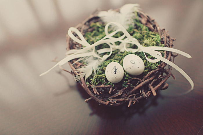 www.theweddingnotebook.com. Photography by One Eye Click. Bird nest ring
