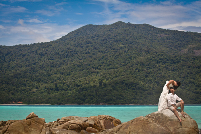 www.theweddingnotebook. Darren Jee Photography. Destination beach wedding at Koh Lipe