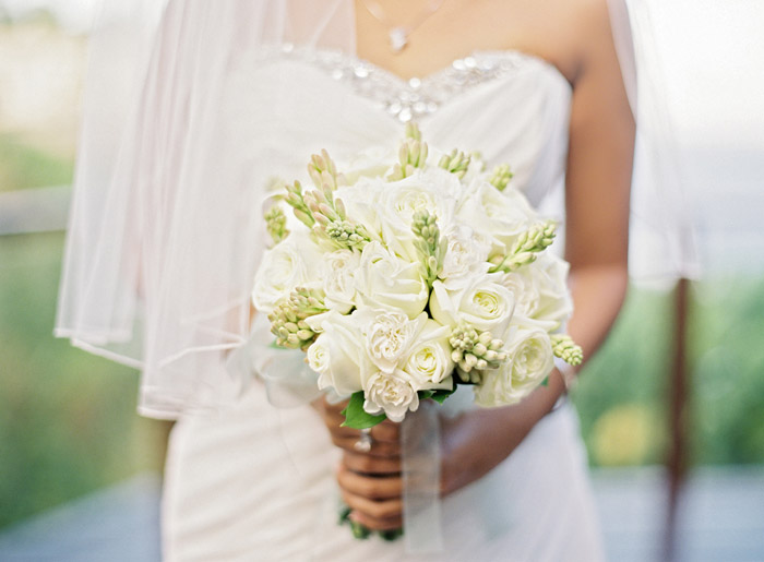 Bridal bouquet. Vicki Grafton Photography. www.theweddingnotebook.com
