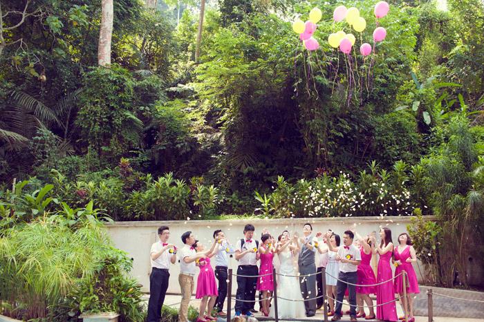 Garden wedding. Daren Chong Photography. Wedding planning by Chic Occasions. www.theweddingnotebook.com