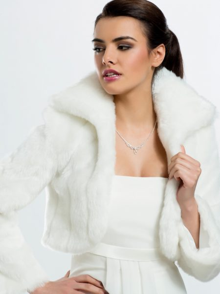BB20 – high quality bridal jacket in a supremely soft ivory faux fur