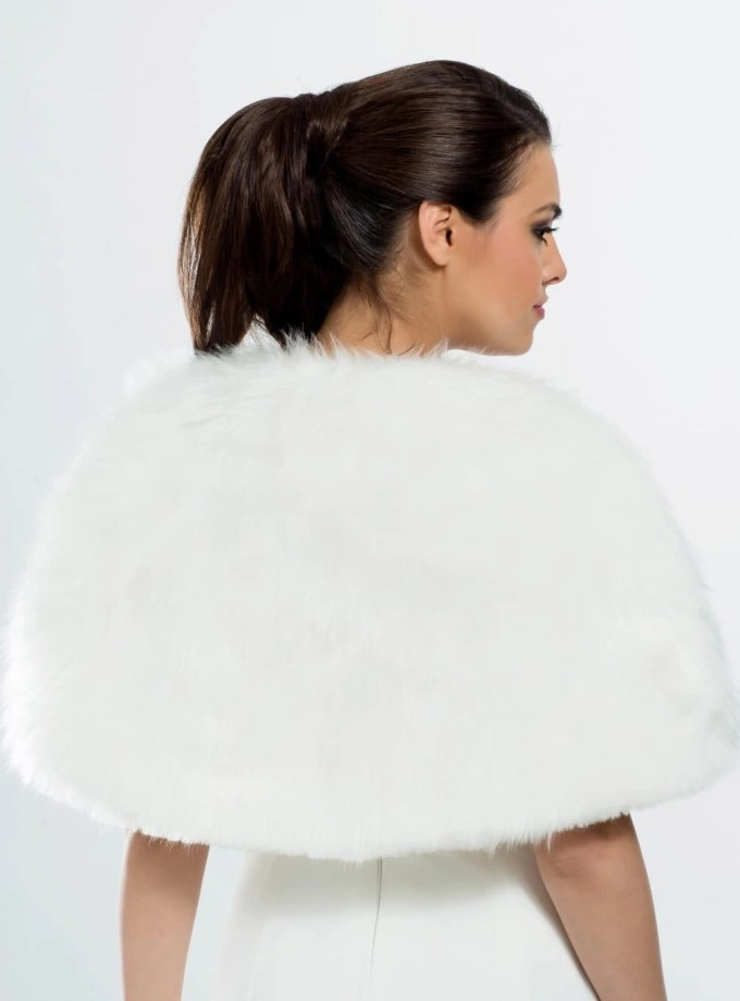 E3 BB3 ivory faux fur bridal shoulder cape shrug wrap cover up back