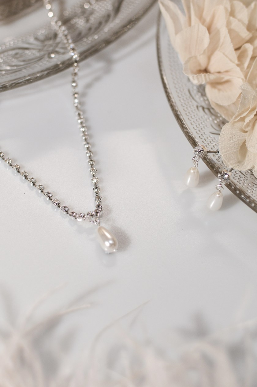tls1519 wedding jewellery set with diamante chain, teardrop pearl and matching earrings