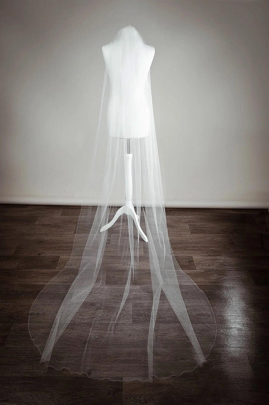 Slim 54-inch wide long veil