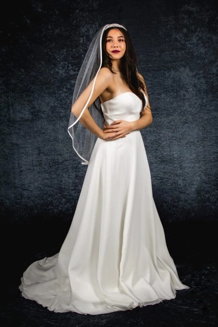 MILLIE – one layer waterfall cut hip length veil with satin edging