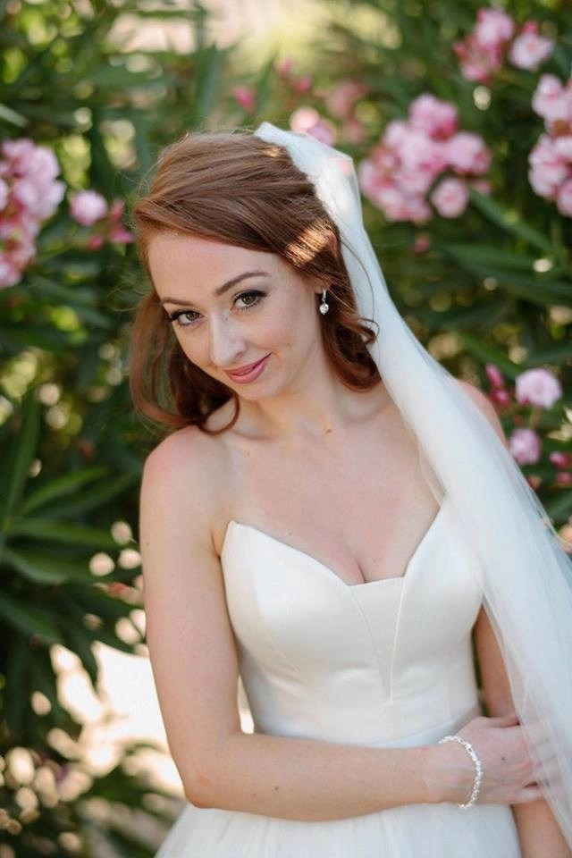 Emma McSorley wears popular wedding veil Brooke 5