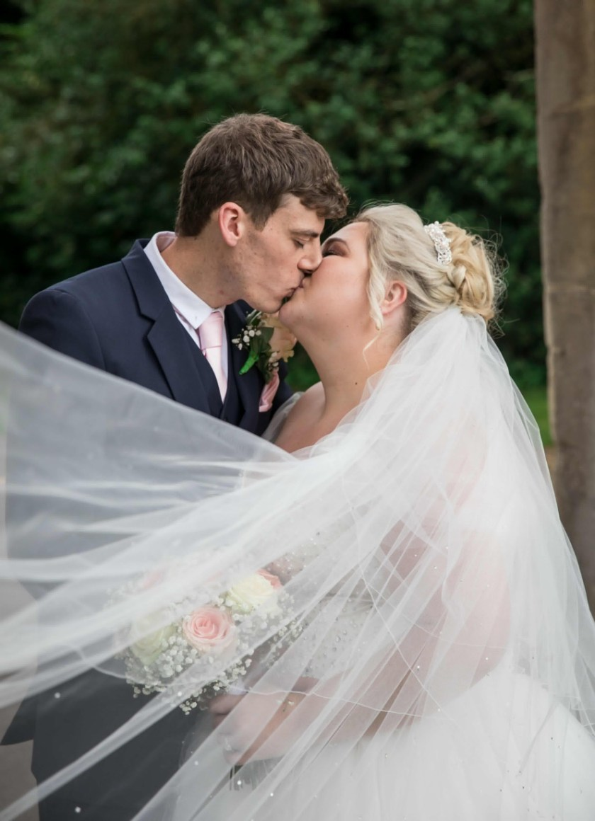 Bride Jessica wears the Lottie veil 2