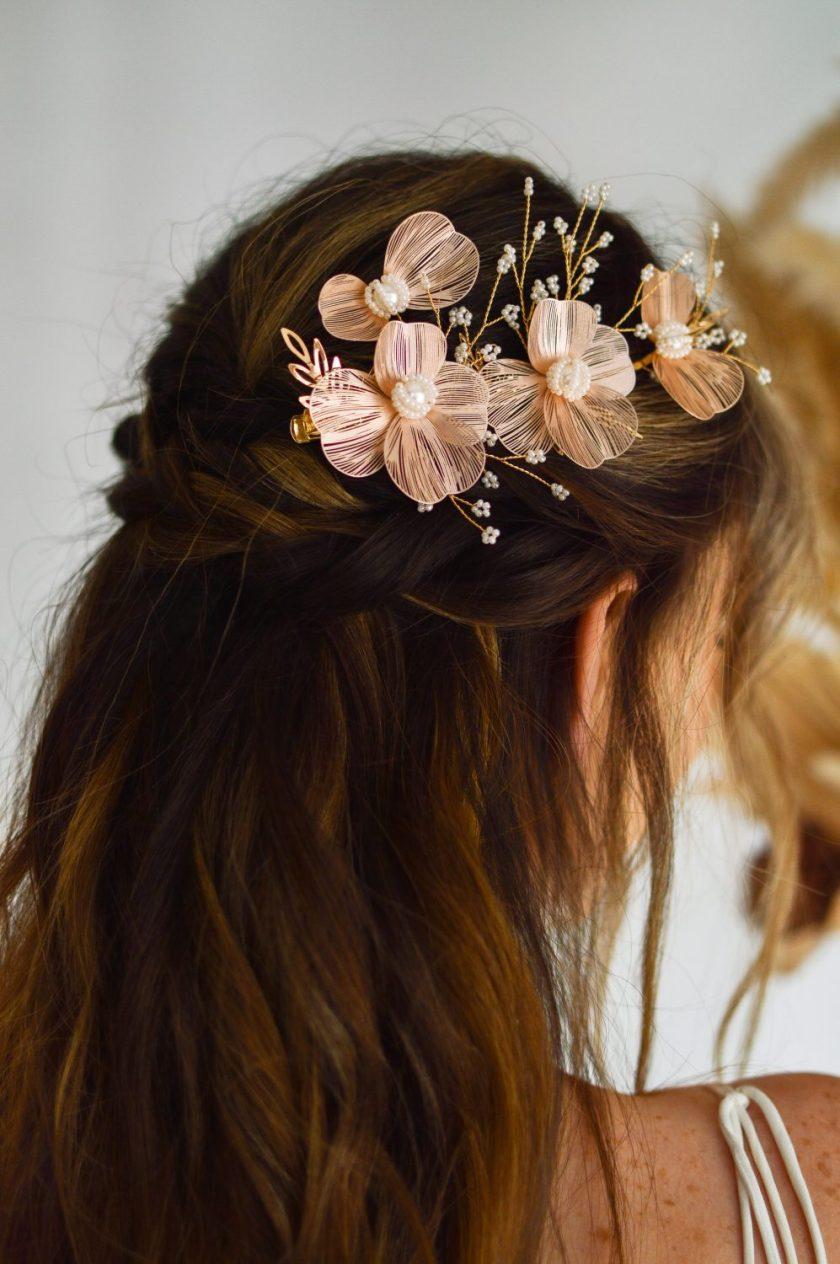 LP749 blush metal hair clip