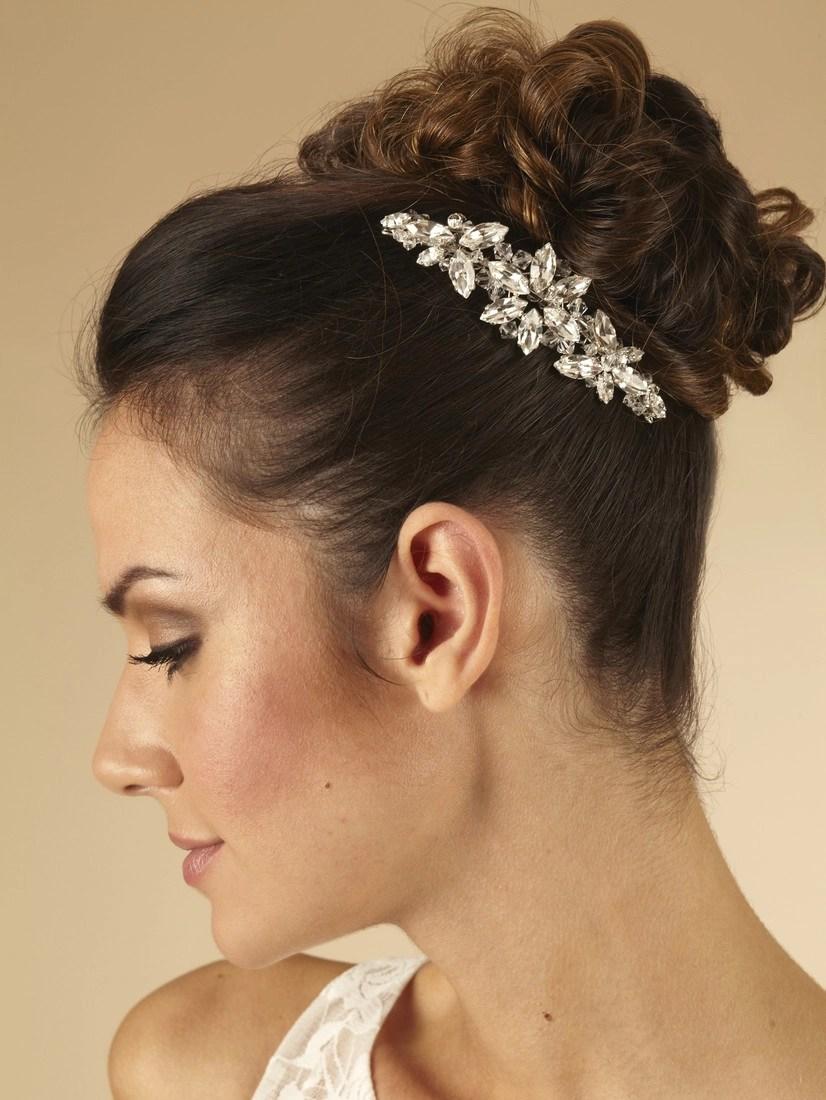 AR430 silver diamante bridal hair comb on model