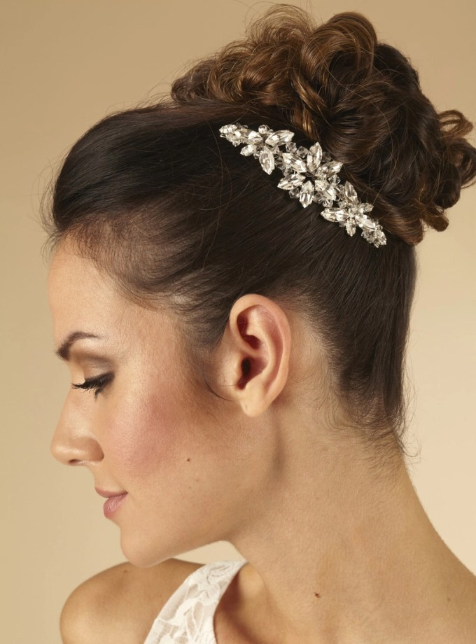 AR430 silver diamante bridal hair comb on model