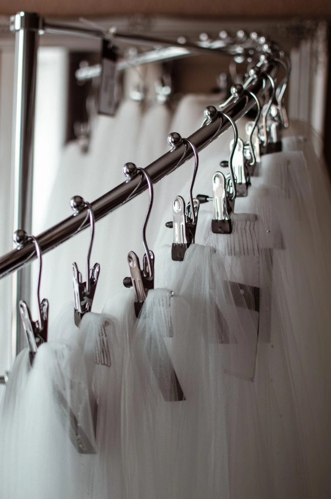 bridal accessory boutique - veil rail