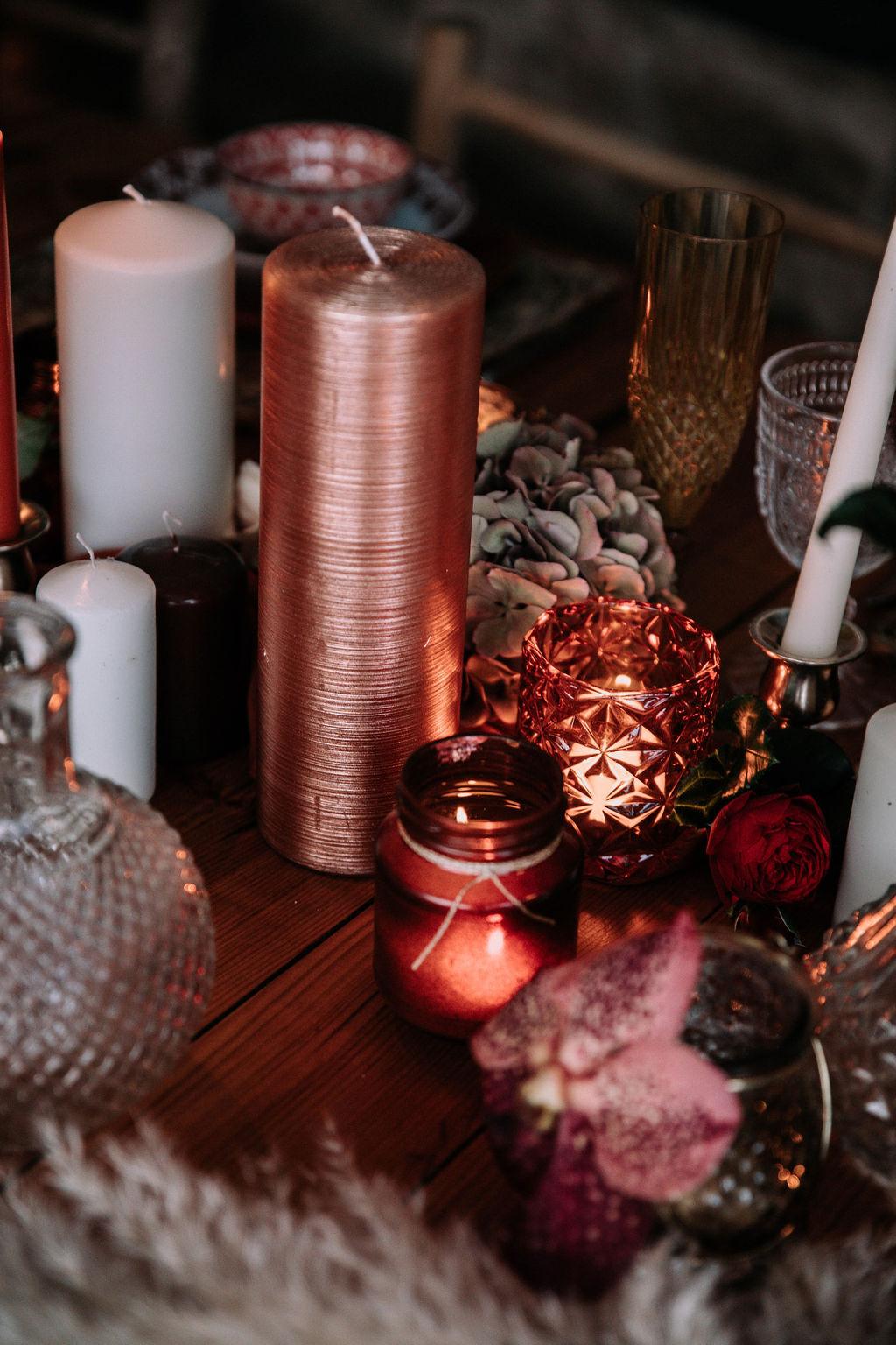 Warm copper wedding decor
