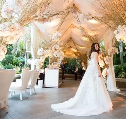 romantic-wedding-idea-with-flowers