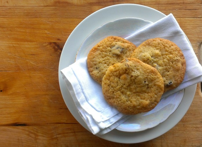 A light zesty biscuit, perfect for kids & grown ups alike