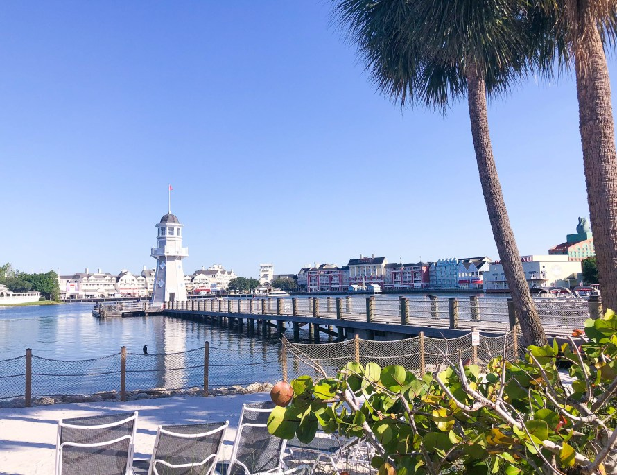 8 Reasons You'll Love Disney's Yacht and Beach Club Resorts // Disney World, Disney's Beach Club, Where to Stay at Disney, Best of Disney, Disney Deluxe Resorts, Disney's Yacht Club, Annual Passholder #DisneyWorld #travelblog