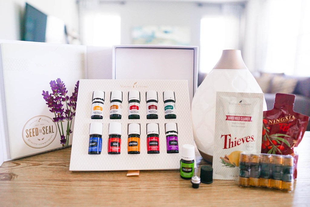 Young Living Premium Starter Kit // How to get the most out of your essential oils starter kit, essential oils, diffuser blends, know your oils, essential oil favorites, Young Living Thieves, new to essential oils, how to use essential oils, essential oils benefits #YoungLiving #EssentialOils #StarterKit