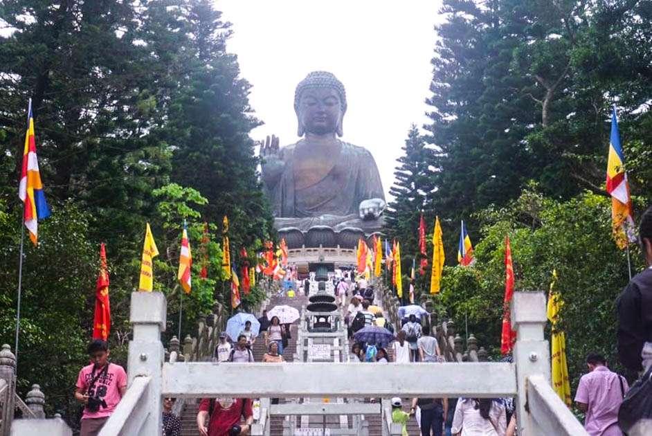 Tian Tan Buddha in Hong Kong, Travels Before Blogging #HongKong #TianTan #Buddha #TravelBlogger