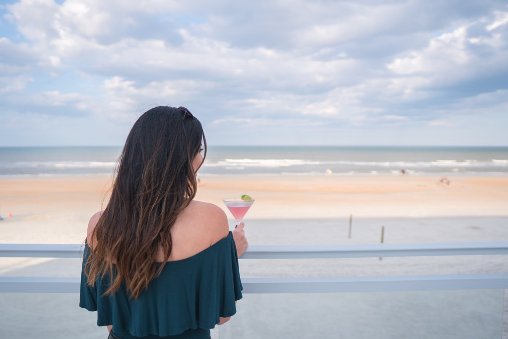 Sessions at Hard Rock Hotel in Daytona Beach // where to get drinks in Daytona Beach
