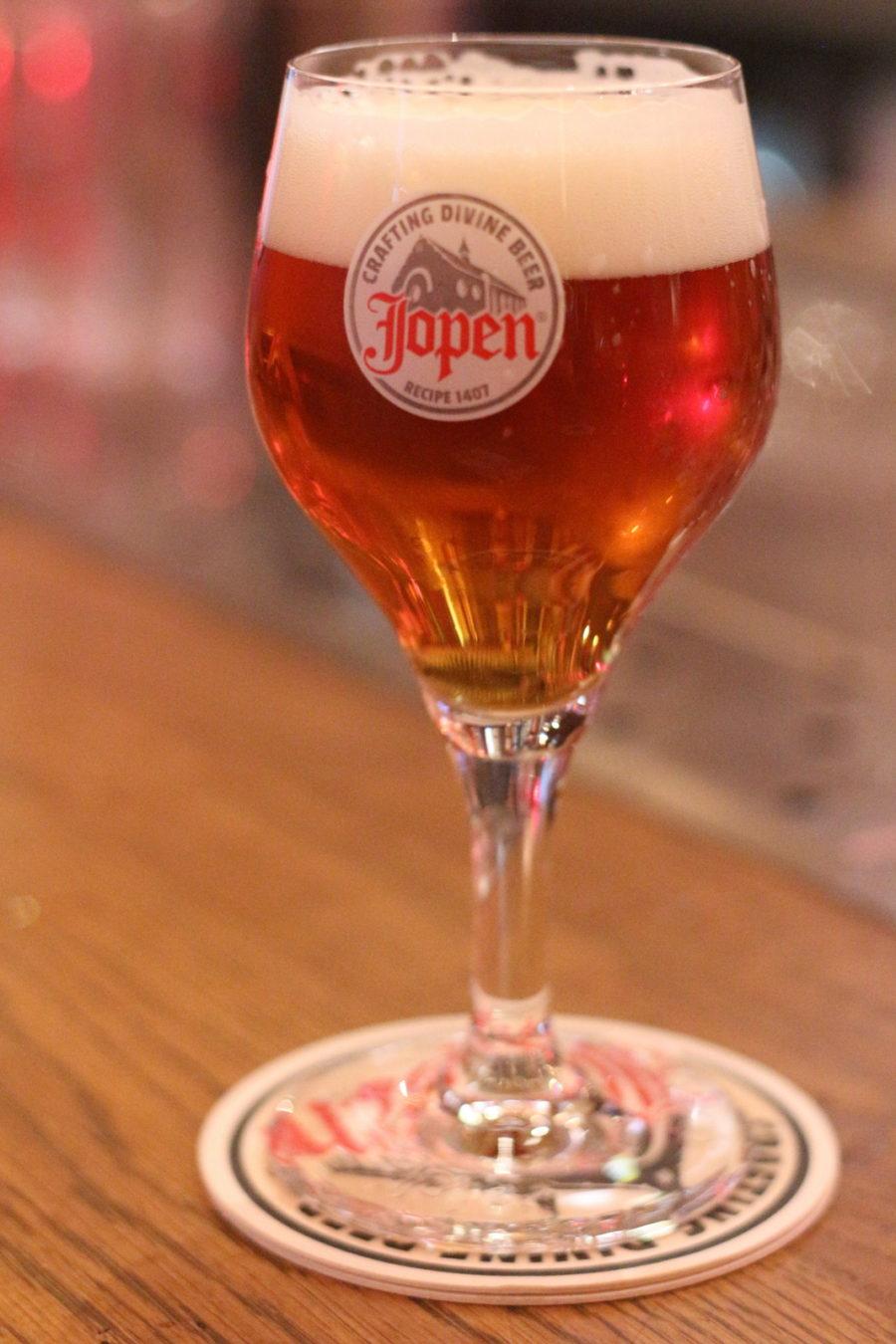 Best things to do in Haarlem at night : drink beer