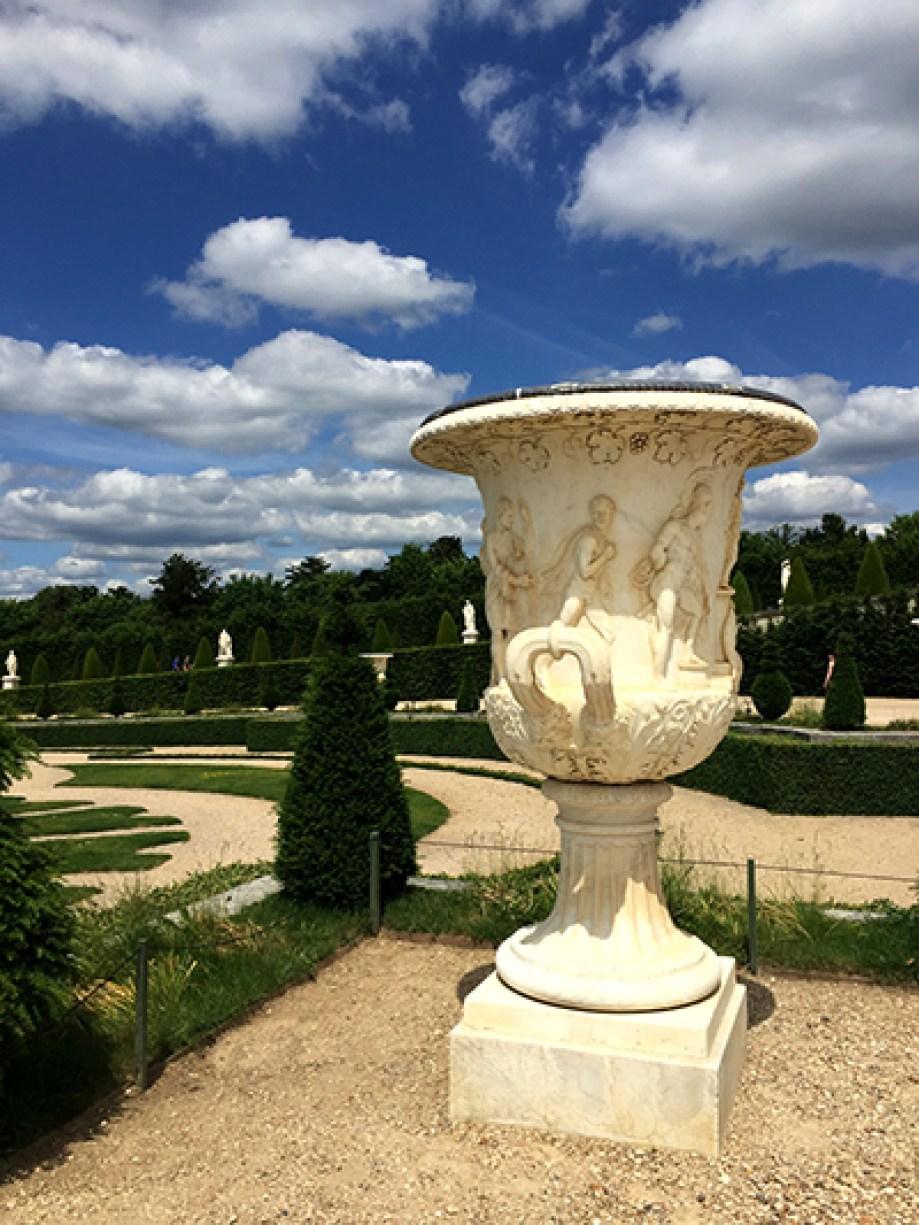 versailles vase - bicycling at Versailles