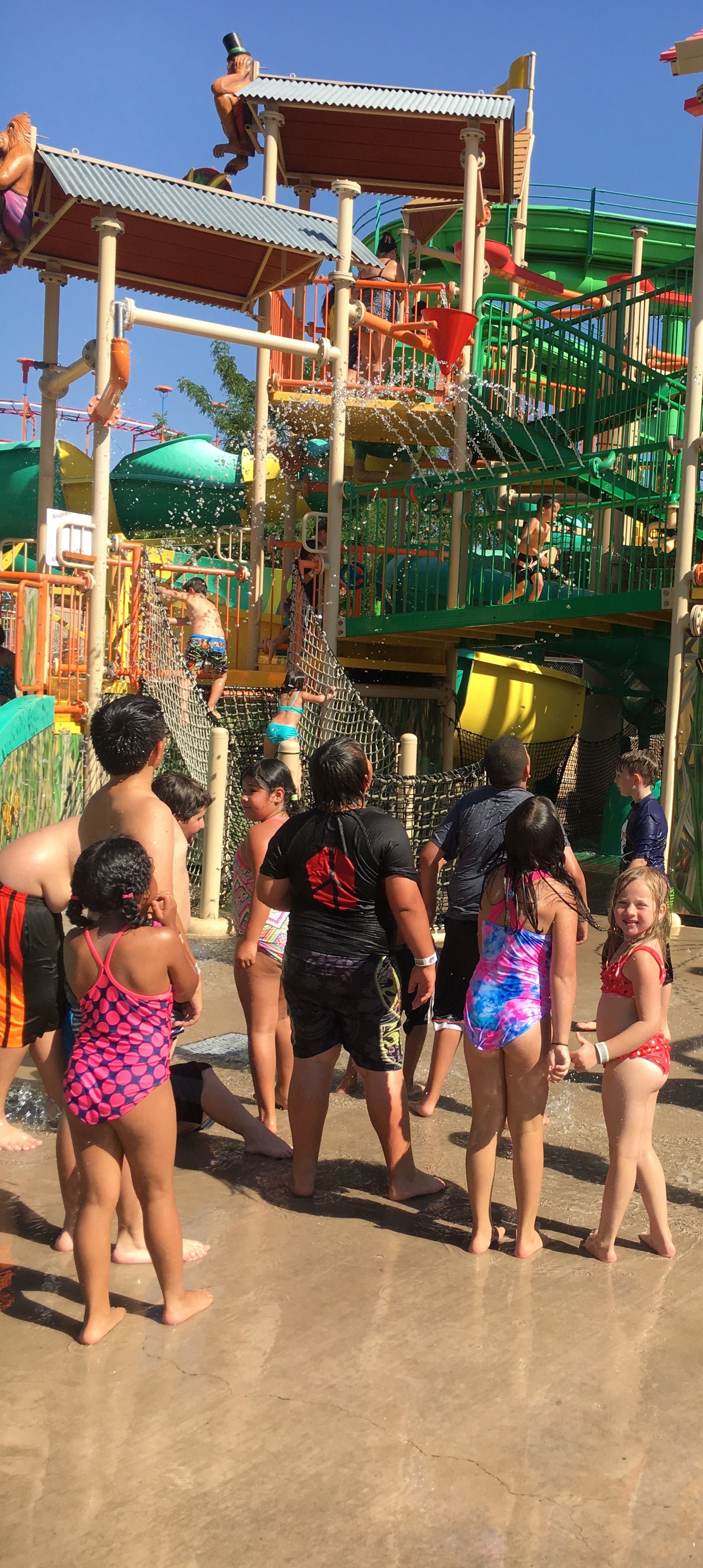 kids' activities at Cliff's Amusement Park waiting for the bucket of water
