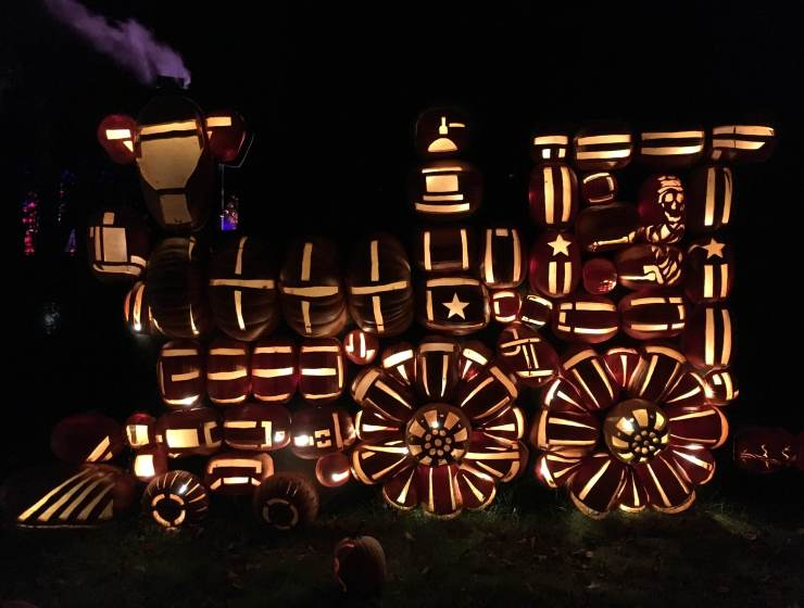 Getting Psyched for Halloween at the Great Jack O'Lantern Blaze