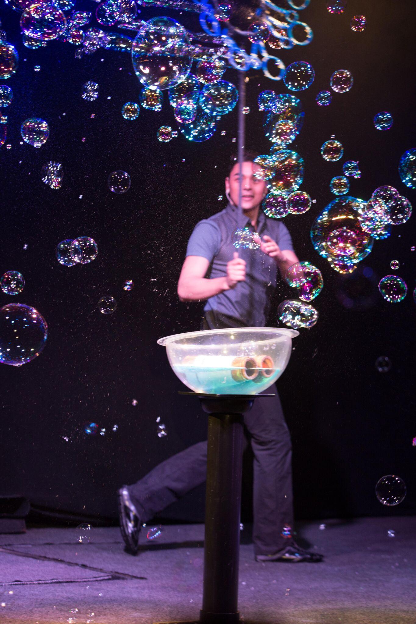 Gazillion Bubble Show weekend rundown