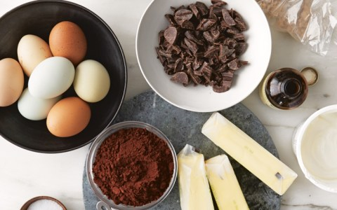 Sur La Table Offers Series of Online Cooking Classes Hosted by Celebrity Chefs