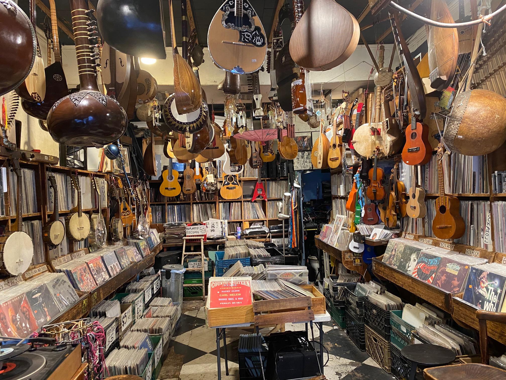 On Location Tours: Mrs. Maisel's Marvelous Tour of New York Music Inn